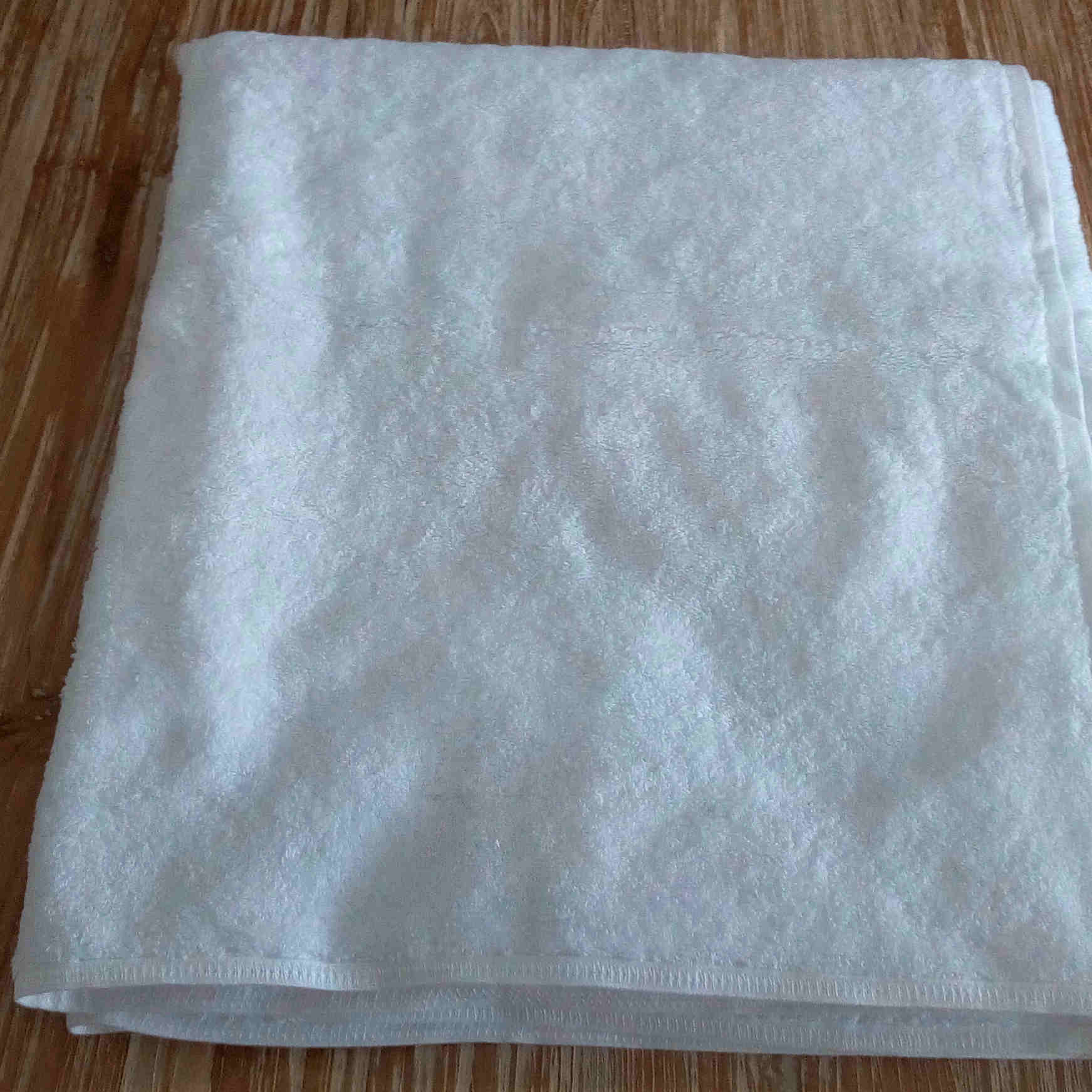 Medium Towel - White - BaliOz